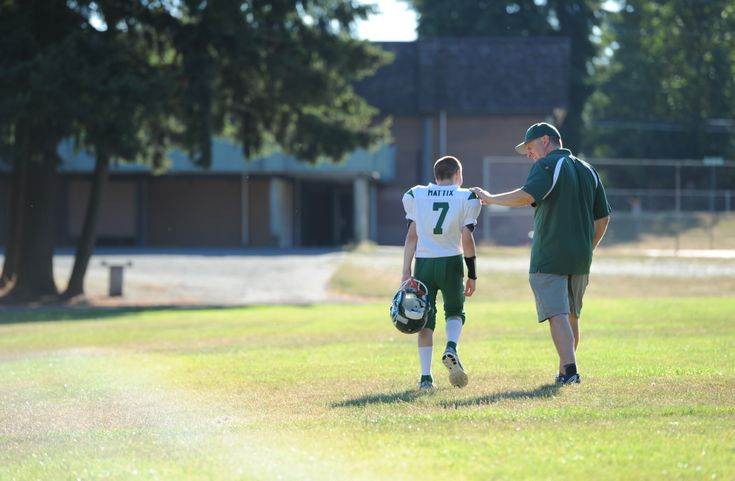 3 new years resolutions for youth football players parents and coaches
